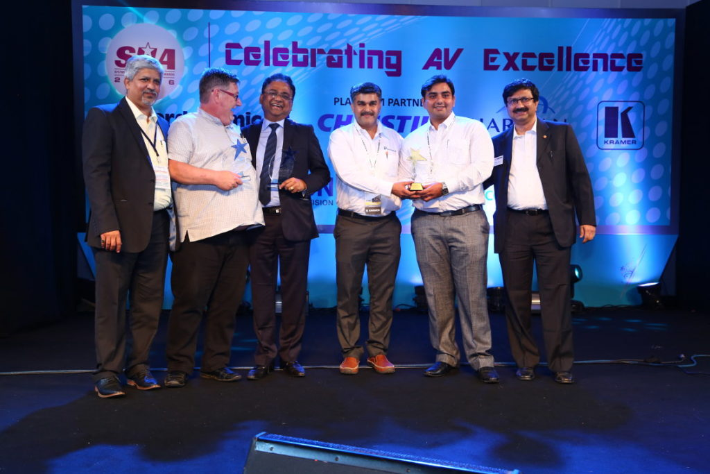Also presented with the award for the same project were the two consultants who played key roles. Kelvin Ashby-King of T2 Consulting and Naidu Narendra of Rhino Engineers (2nd and 3rd from left respectively)